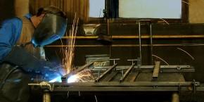 Svařovací robot - svařovna - Strojtex